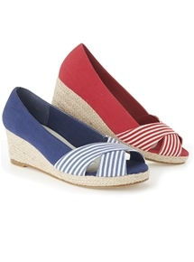 Resort Espadrille Wedge